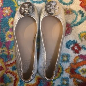 Tory burch Minnie leather ballet flats silver nwot